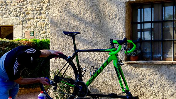 lavage-velo-stage-cyclisme-gerone